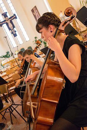 VAR_0062 muveszeti liceum korusainak es zenekaranak hangversenye_vargyasi