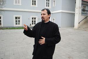 Preot-Sebastian-Parvu-aprilie-2012-07