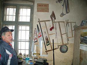 Szasz Dezso - restaurator mobila (1)