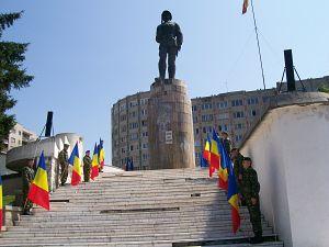 Monumentul ostasului roman din Sf Gheorghe