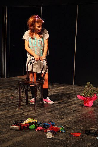 Claudia Ardelean-Trei rupturi-regia Radu Afrim