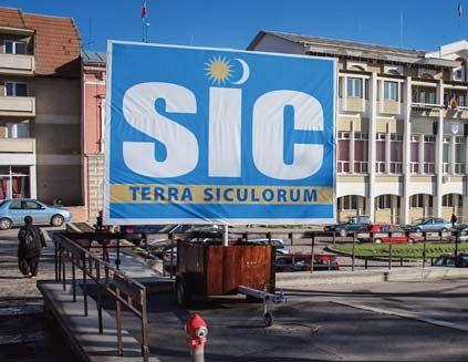 Tamás Sándor (UDMR): Panoul cu inscripţia SIC rămâne în continuare amplasa