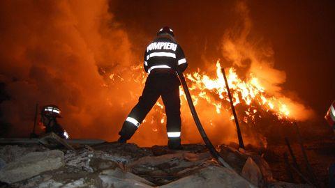 Atelier de tâmplărie în flăcări