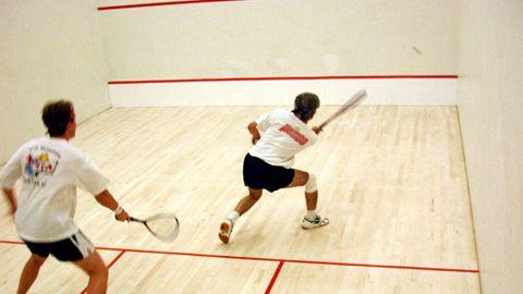 Brașoveni în campionatul covăsnean de squash