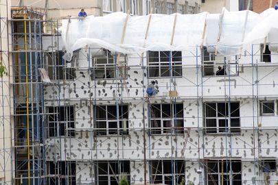 Cetăţenii din Sfântu Gheorghe, scutiţi timp de 7 ani de impozit dacă îşi termoizolează locuinţele