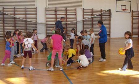 elevi scoala educatie fizica sport