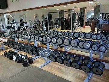 Paleta de greutăţi la Olympia Fitness Club este una foarte largă