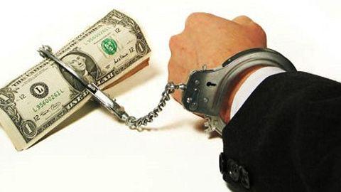 Peste 100 de acte de corupţie, probate anul trecut de poliţiştii covăsneni