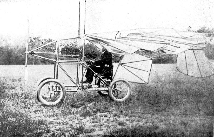 Traian Vuia a reușit primul zbor autopropulsat din lume (fără catapulte sau alte mijloace exterioare) pe 18 martie 1906, cu un aparat mai greu decât aerul. Sursa foto - Wikipedia