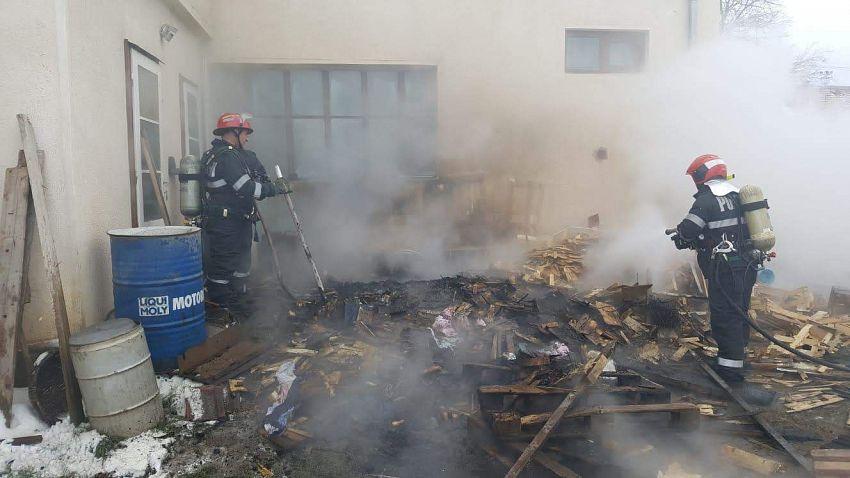 Incendiu strada Ceferiștilor