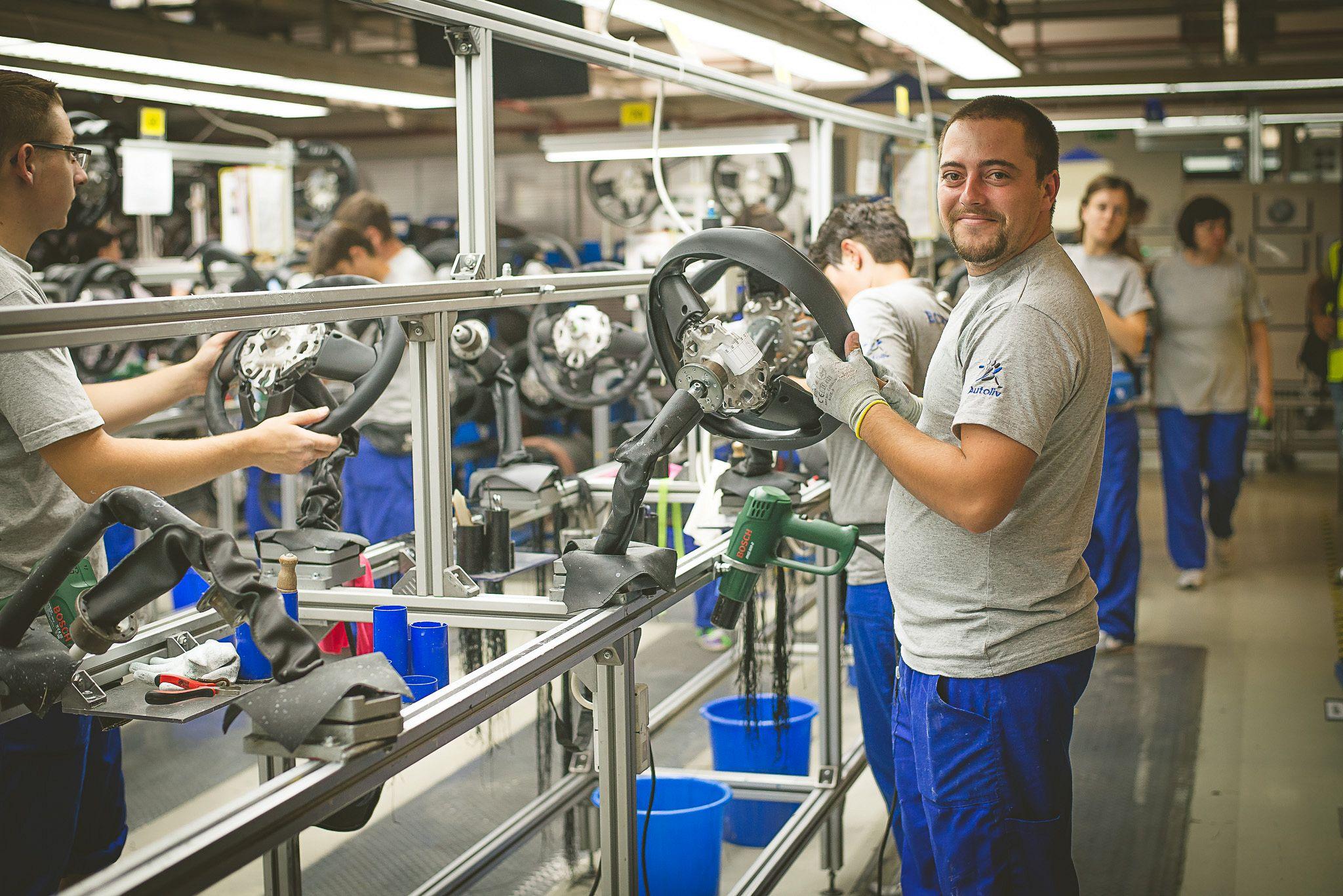 autoliv australia Autoliv's global engineering usa detroit ogden france gournay pont-de- buis cergy-pontoise germany elmshorn dachau australia melbourne spain.